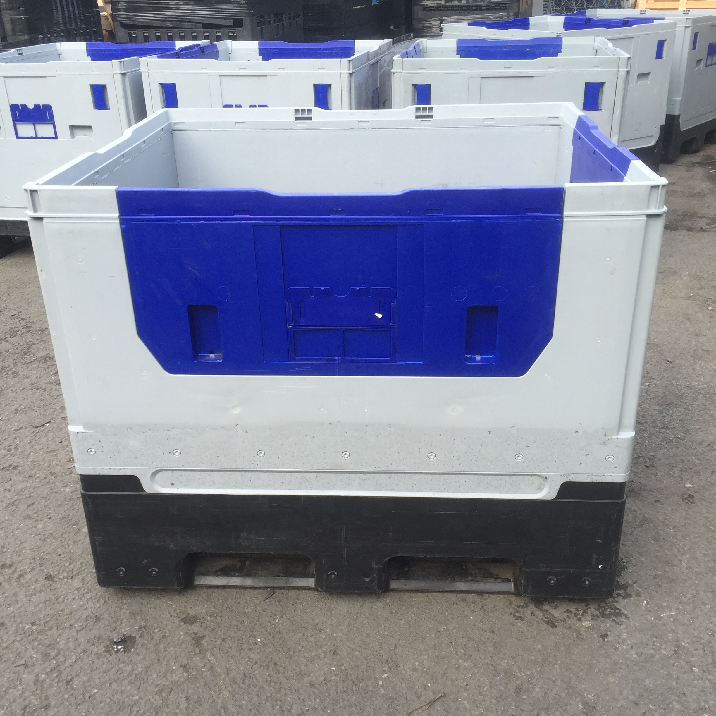 KF975_1 Reconditioned Bulk Containers - Plastic Mouldings Northern