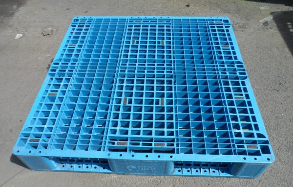 1100x1100-Blue-3-runner-600x382 1100 x 1100 <br/>Medium Duty - Blue 3 Runner - Plastic Mouldings Northern