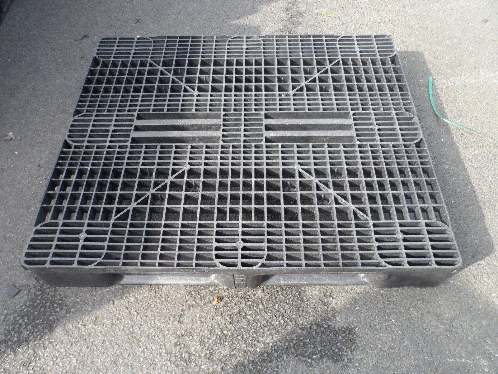 1200x1000-Full-perimeter-HD Reconditioned Pallets - Plastic Mouldings Northern